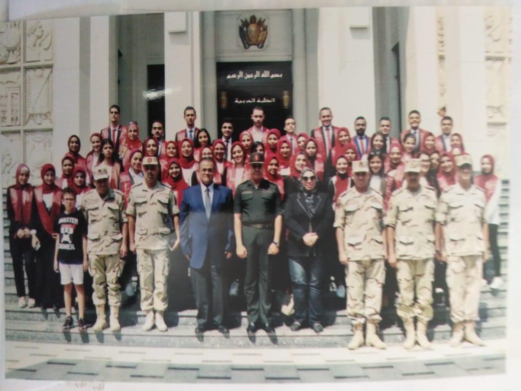 """وفد طلاب جامعة عين شمس في زيارة ميدانية  """"للكلية الحربية """""""